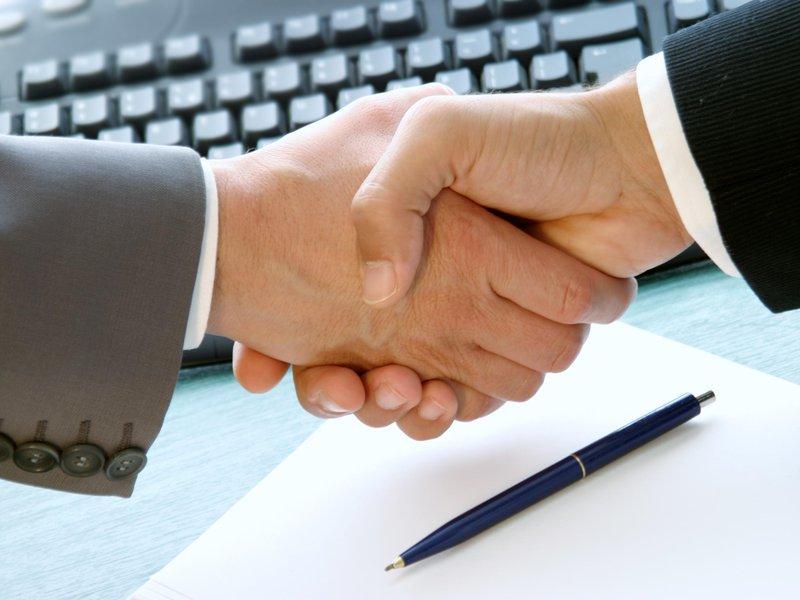 Надежных партнеров по бизнесу можно найти через интернет