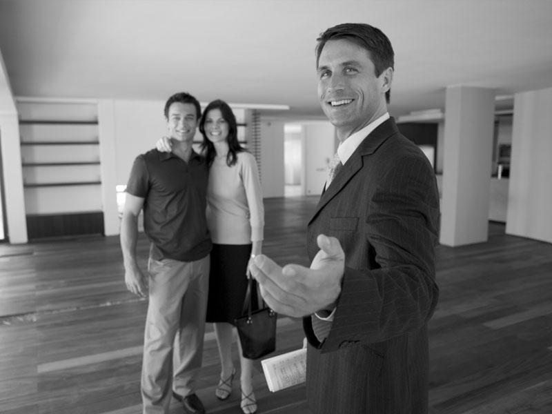 Как покупать квартиру самому или с посредником?