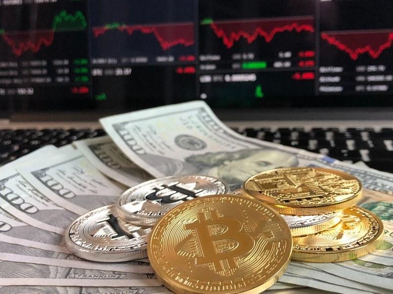 Как выбрать онлайн-обменник электронных денег и криптовалют